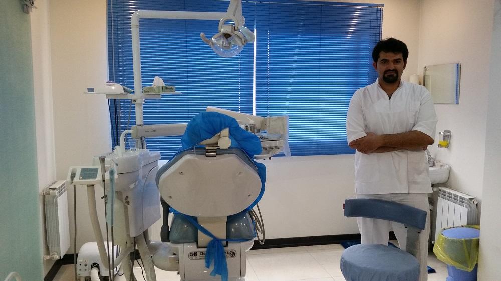 سید حمیدرضویان دندان پزشک ومتخصص درد های ریشه عضو هیئت علمی دانشگاه علوم پزشکی اصفهان